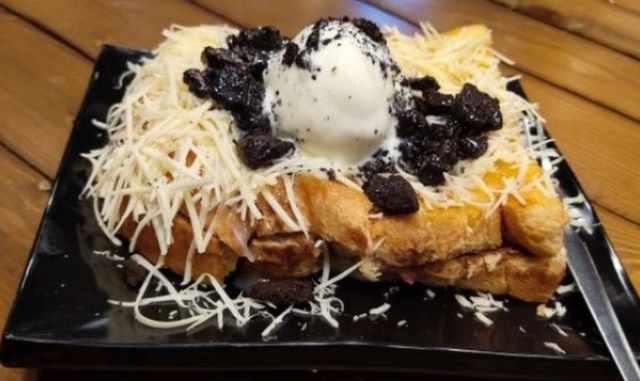 Roti Bakar Khas Cafe