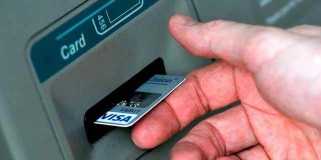 Cara Mengatasi Kartu ATM Tertelan Pada Mesin ATM